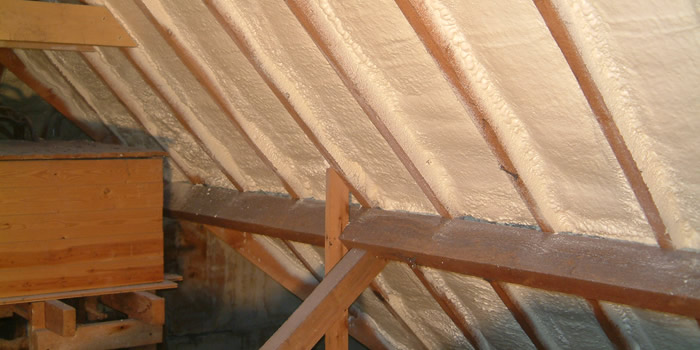 PUR isolatie op een schuin dak